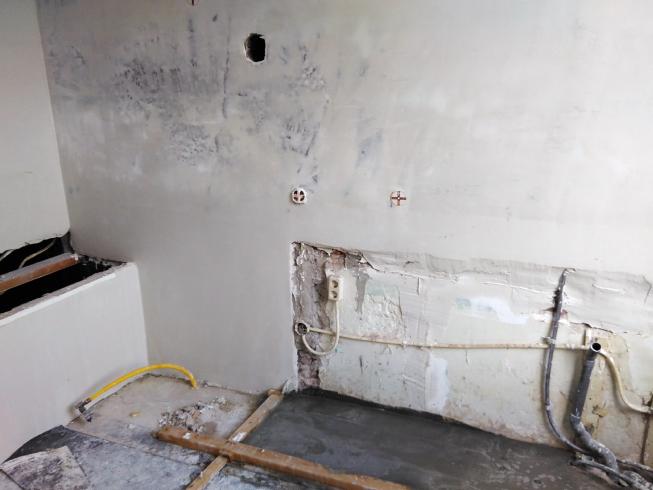 Gestuukte muur vintage keuken