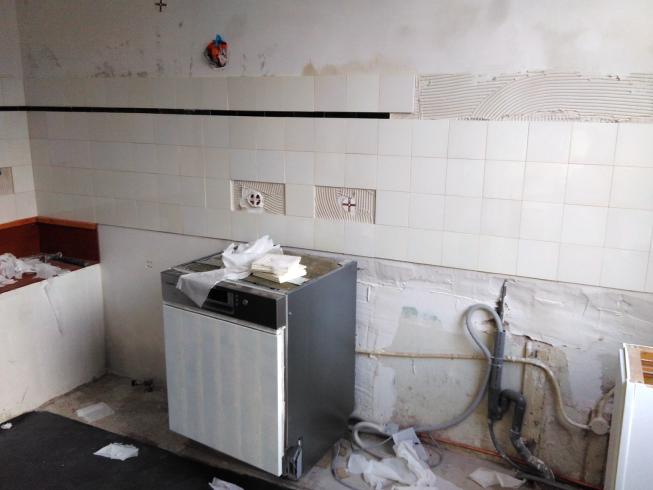 Betegelde muur vintage keuken